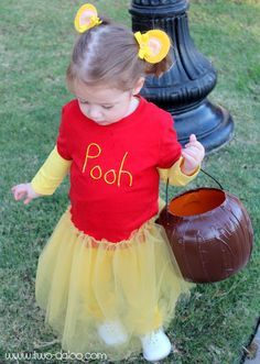 Make a cute DIY Pooh or Tigger costume for your toddler with this simple tutorial. Literary Costumes, Book Costumes, Teacher Costumes, World Book Day Costumes, Book Week Costume, Cute Costumes, Disney Costumes, Costume Ideas, Kids Book Character Costumes