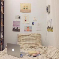 aesthetic bedroom Home Decor Girls Bedroom, Bedroom Decor, Bedrooms, Bedroom Inspo, Pretty Room, Aesthetic Room Decor, Room Goals, Cozy Room, Home And Deco