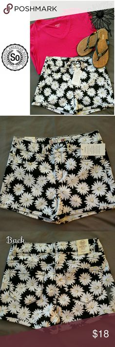 NWT High-waisted Shortie These So high-waisted shorties are super stretch, and super soft! The Daisy print is adorable and can match with anything. SO Shorts Jean Shorts