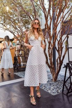 Iss gonna be a lotta white, and I ain't talking bout the guests Fashion Moda, Fashion 2017, Runway Fashion, Girl Fashion, Fashion Outfits, Womens Fashion, White Lace, White Dress, Prom Dresses With Pockets