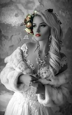 29 ideas for fashion black and white photography colour Black White Gold, Black And White Colour, Black And White Pictures, Splash Photography, Color Photography, Black And White Photography, Splash Fotografia, Color Mixing, Color Pop