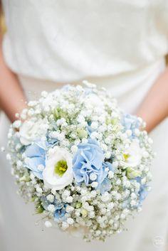 © Nicolas Duvivier - Saintes (France) Wedding Flowers, Floral Wreath, Mary, Wreaths, Table Decorations, Garden, Home Decor, Photography, Floral Crown