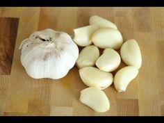 How to Peel Garlic FAST- 3 methods