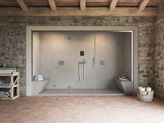 Die hochwertigen, integrierten Lösungen von Glas 1989 werden völlig in Italien hergestellt und verursachen eine außergewöhnliche Badezimmerumwelt. NONSOLODOCCIA ist eine praktische, neue, Entwicklungsdusche und hammam Bereichseigenschaften ein erfinderisches...