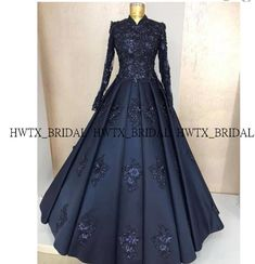 wedding dresses for kids Muslim Evening Dresses, Hijab Evening Dress, Muslim Dress, Party Wear Dresses, Ball Dresses, Ball Gowns, Wedding Dresses For Kids, Stylish Dresses For Girls, Indian Designer Outfits