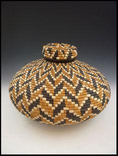 Africa | Lidded Zulu Basket. South Africa