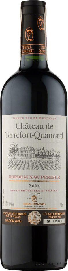 Chateau de Terrefort-Quancard Bordeaux Superieur charakteryzuje się pięknym głębokim rubinowym kolorem z amarantowymi refleksami. Zbudowane na bazie trzech podstawowych szczepów bordoskich: cabernet sauvignon, cabernet franc i merlot. Intensywny, bogaty bukiet o owocowym aromacie z nutami czarnych porzeczek, leśnych jagód, delikatnych ziół i wanilii. Bardzo łagodne o niskiej kwasowości, dojrzałe, soczyste i mięsiste, o delikatnych taninach. #Wino #Bordeaux #Winezja #Chateau… Saint Emilion, Cabernet Sauvignon, Bordeaux, Bottle, Drinks, Drinking, Beverages, Flask, Drink