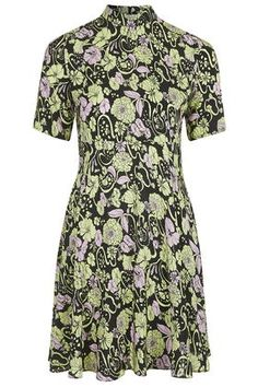 Topshop Boutique Kaleidoscope Floral Dress as seen on Diane Kruger Floral Dresses With Sleeves, Silk Floral Dress, Silk Dress, Short Sleeve Dresses, 70s Fashion, Star Fashion, Boutique Dresses, Boutique Clothing, Topshop Boutique