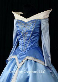Sleeping Beauty Embroidered Custom Costume in Blue or Pink Robes Disney, Disney Dresses, Disney Outfits, Disney Princess Cosplay, Princess Costumes, Corsage, Cute Dresses, Beautiful Dresses, Formal Dresses