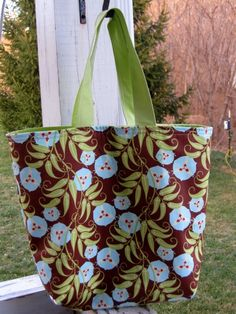 Go Green Shopping Bags tutorial by Canoe Ridge Creations #sew #diy #green