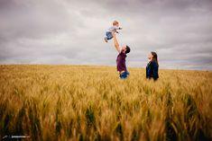fotografia_família_ensaio de família_joinville_rio negro_mafra_fotos de família_filho_plantação de trigo_árvores_fotografo de familia joinville_0074