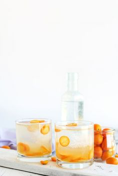 ALL NATURAL Kumquat Gin and Tonics! So refreshing, easy and perfect for spring! #vegan