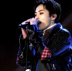 There's something captivating about the way Xiumin sings.