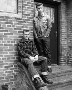 Two Rockabilly teens - vintage mens fashion style inspiration- the devil may care Fashion 60s, 1950s Fashion Menswear, Teen Fashion, 1950s Mens Fashion Casual, Teenager Fashion, Fashion Shops, Fashion Vintage, Fashion Fashion, Fashion Online