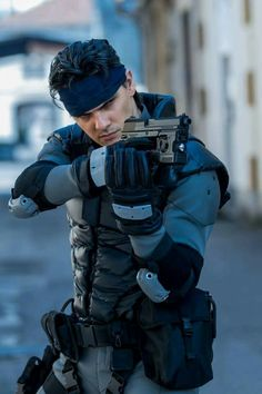 Solid Snake #cosplay - metal gear solid twin snakes shadow moses #solidsnake #mgs #metalgearsolid #sneaking #socom