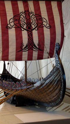 Oseberg vikingaskepp scratchbygge -- del 5 - Fartyg - Modellbygge iFokus A few varied photos that I like Viking Life, Viking Art, Viking Warrior, Viking Longboat, Old Sailing Ships, Ocean Sailing, Viking Longship, Ship In Bottle, Model Ship Building