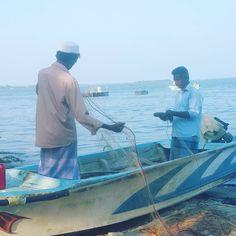 Kalpitiya is predominately fishing. #valampuriresort #kalpitiya #srilankatravel #srilanka #ecotourism #srilankanfood #srilankatravel #makefriends #fisherman #fishing