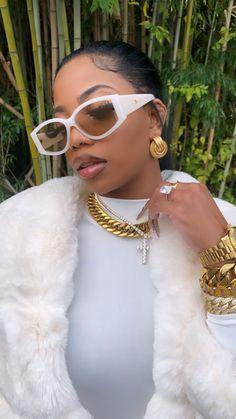 Bougie Black Girl, Bad And Bougie, Black Girl Aesthetic, Aesthetic Look, Black Girl Magic, Black Girls, Sunglasses For Your Face Shape, Cat Eye Sunglasses, De'arra And Ken
