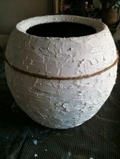 WONEN a la Mar: ♥ Mijn eerste pot in opdracht Decorative Plaster, Sweet 16 Parties, Rustic Decor, Floral Arrangements, Diy And Crafts, Diy Projects, Crafty, Sober, Antiques