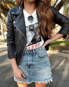 Stunning 41 Lovely Denim Skirt Outfits Ideas To Makes You Look Stunning Denim Skirt Outfits, Denim Outfit, Casual Outfits, Cute Outfits, Fashion Outfits, Rock Outfits, Womens Fashion, Jeans Rock, Jeans Fit