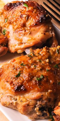 Baked Chicken Thighs with Garlic Mustard Crust are so easy to make! Baked Chicken Thighs with Garlic Mustard Crust are so easy to make! Chicken Dishes For Dinner, Dinner Dishes, Baked Chicken Recipes, Turkey Recipes, Meat Recipes, Drink Recipes, Seafood Recipes, Recipies, Good Food
