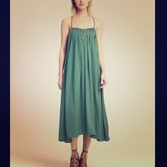👀ISO👀 BANANA REPUBLIC Trapeze dress Please help share/tag Sz med/large Banana Republic Dresses