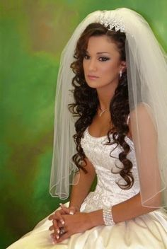 wedding-veil-hair-down-eslmtkm1.jpg (335×500)