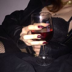 girl, icon and travis scott image on We Heart It Red Aesthetic, Aesthetic Grunge, Alcohol Aesthetic, Classy Aesthetic, Night Aesthetic, Aesthetic Images, Foto Rose, Lizzie Hearts, Photographie Indie