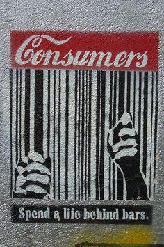 En este graffiti evidenciamos como la sociedad de hoy en día esta encerrada bajo el poder del consumo de las grandes marcas: