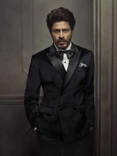 Evolution of the brand Shah Rukh Khan - Bollywood Life Bollywood Stars, Bollywood Fashion, Shahrukh Khan, Dream Cast, Sr K, Looking Dapper, King Of Hearts, Star Wars, Anushka Sharma