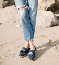 grLook at these gorgeous tasseled TOMS Alpargata!Get your NOW ON SALE 🙌🙌🙌 Vacation Wear, Tom S, Summer Essentials, Spring Summer 2018, Work Outfits, Casual Shoes, Tassels, Highlights, Navy