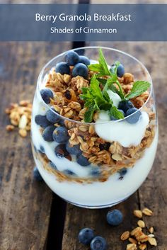 Berries, yoghurt and granola Breakfast recipe