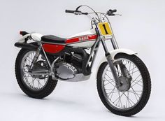 Factory and competition Motos Trial, Volkswagen, Brat Cafe, Trial Bike, Flat Tracker, Yamaha Motor, Motorcycle Engine, Vintage Bikes, Cool Bikes