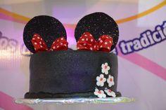 Pastel con tematica de Disney #pastel #pasteles #tematicos #disney #quinceaños #expoquinceañera