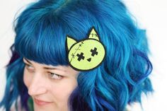 zombie kitty hair clip