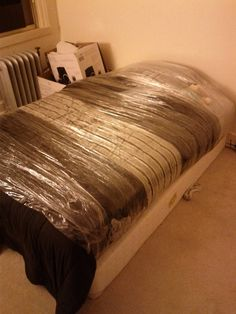 Whoever made excellent use of plastic wrap: