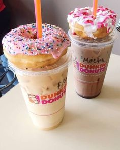 Dunkin' Donuts, Coffee And Donuts, Iced Coffee At Home, Iced Coffee Drinks, Starbucks Recipes, Coffee Recipes, Bebidas Do Starbucks, Starbucks Drinks, Starbucks Coffee