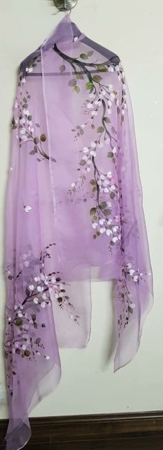 Embroidery hand ideas fabrics Ideas for 2019 Saree Painting, Dress Painting, Fabric Painting, Fabric Art, Hand Painted Sarees, Hand Painted Fabric, Fabric Paint Designs, Silk Art, Beautiful Saree