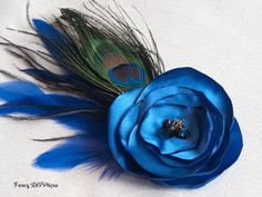 Roaring 1920's,flapper accessories, jazz age/ jazz era peacock hair clip, 1920's fashion, The Great Gatsby fashion, vintage hair, Old Hollywood glam http://fancybowtique.co.uk/eva-old-hollywood-glamour/
