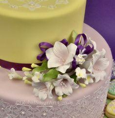 Stensiled Easter cake tutorial.