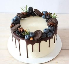 oee tu tera natak band kar samjan na i cannot live without u mai bahut try kar raha hu lakin nai ho raha ha samja na muhje nai pata maff kar muhje Pretty Birthday Cakes, Pretty Cakes, Baking Recipes, Cake Recipes, Dessert Recipes, Just Desserts, Delicious Desserts, Easy Cake Decorating, Just Cakes