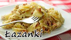 Łazanki (Small Square Noodles), to pyszna potrawa, w której główną rolę odgrywa makaron w kształcie niewielkich kwadratów, pomieszany z farszem z mięsa, kapusty i boczku. To tak w skrócie. Smaczne i proste danie.