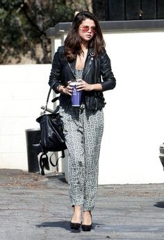 Selena Gomez Photos: Selena Gomez Keeps Busy in Beverly Hills