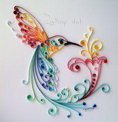 Colibrí de papel con la técnica del #quilling. PRECIOSO!!!!   Materiales disponibles en  http://www.artesaniasmontejo.com/catalogo/755-quilling