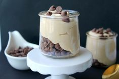 Keto Peanut Butter Mousse is an easy creamy dessert that everyone will love! Easy 5 minute recipe, 5 ingredients, no bake keto dessert! Keto Chocolate Chip Cookie Recipe, Keto Chocolate Chips, Chocolate Banana Bread, Keto Dessert Easy, Easy Desserts, Dessert Recipes, Healthy Desserts, Recipes Dinner, Sugar Free Fudge