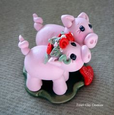 Polymer Clay Pigs in Love Wedding Cake by trinasclaycreations, $59.00