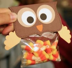 A Little Scrapbook Therapy: Owl Bag Topper - a great Fall Treat design