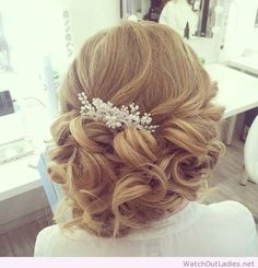 Effortlessly elegant wedding hairstyle inspiration