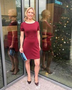 Ina Dietz, Sexy Older Women, Sexy Women, Beautiful Legs, Beautiful Women, Carol Kirkwood, Tv Presenters, Great Legs, Hot Dress