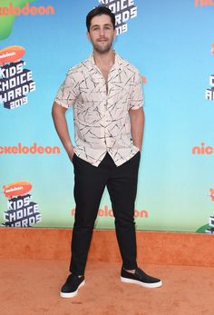 Kids' Choice Awards Arrivals 2019 — See The Red Carpet Pictures – Hollywood Life Kids Choice Award, Choice Awards, Orange Carpet, Red Carpet, Tiny Harris, Jason Sudeikis, Aladdin Movie, Lilly Singh, Aladdin Film